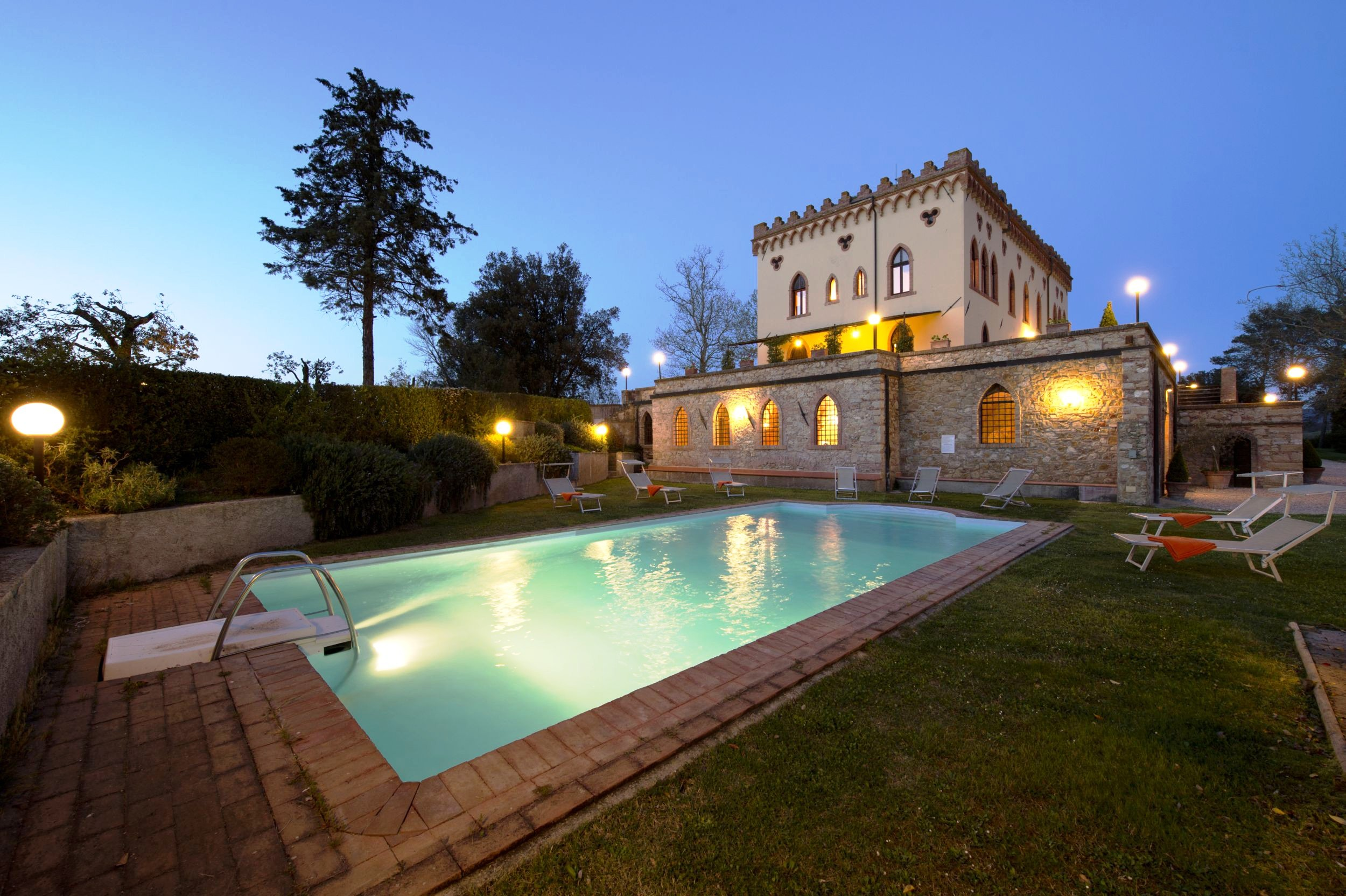 Tuscany casaliotravel for Villas corona
